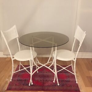 White bistro set with 2 chairs