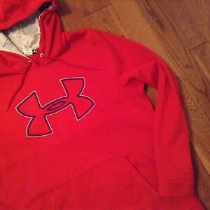 Under armour red swearer, hoodie excellent, new conditions