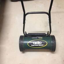 Ozito push reel lawnmower Seaton Charles Sturt Area Preview