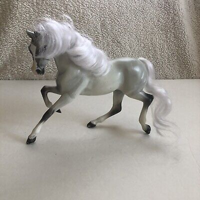 Breyer Reeves Grey White Horse With Combable Flowing Mane