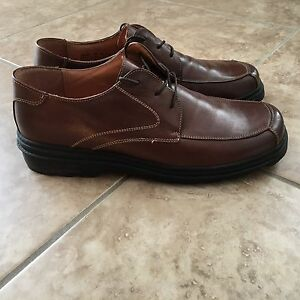 Mens Bostonian leather shoes size 9 1/2