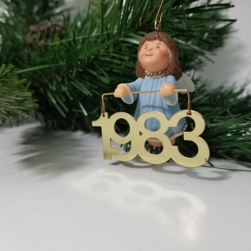 1983 Hallmark Ornament 1983 Angel Messenger QX408-7