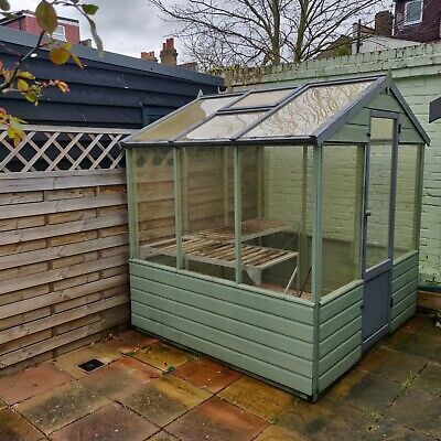 Used Greenhouse in Good Condition in London E17 Walthamstow