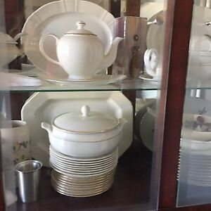 Extensive Bone China Collection
