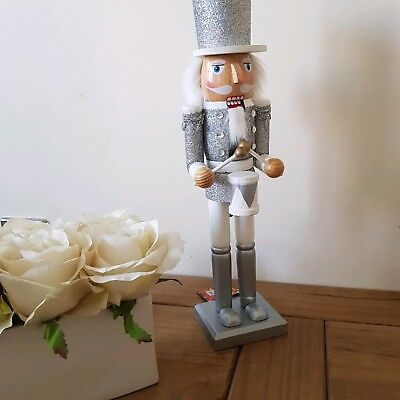 CHRISTMAS NUTCRACKER SOLDIER LARGE 38 CMS SPARKLY SILVER DRUMMER ON STAND BNWT