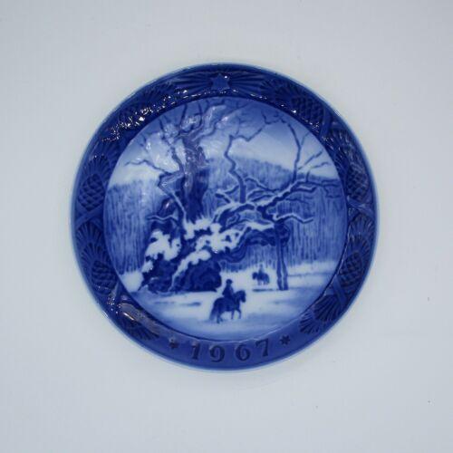 """1967 Royal Copenhagen Denmark Kai Lange """"The Royal Oak"""" Plate"""