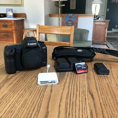 Canon EOS 5D Mark II, Shoulder Strap, 3x Batteries, Charger, USB C Adapter, Card