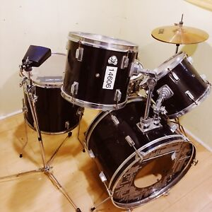Five Piece Drum Set