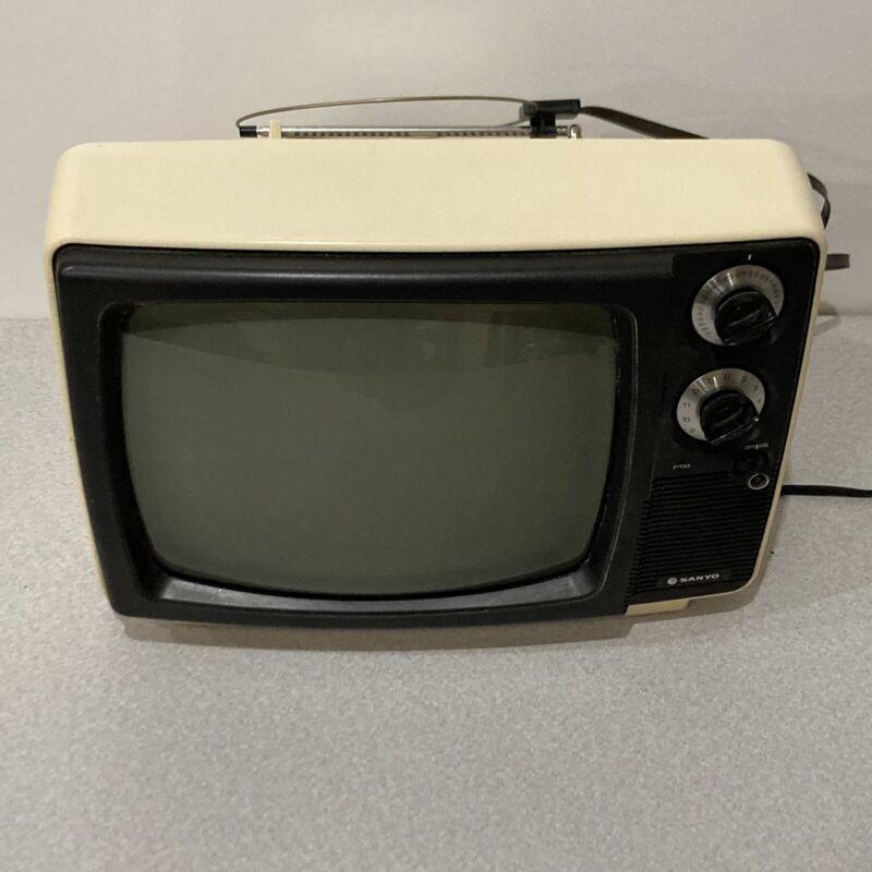 "1978 Sanyo 11"" B&W Television Model 21T68"