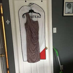 Size xxl le cHateau one shoulder dress