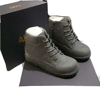Akid Atticus Boots grey Size 1 Y US.