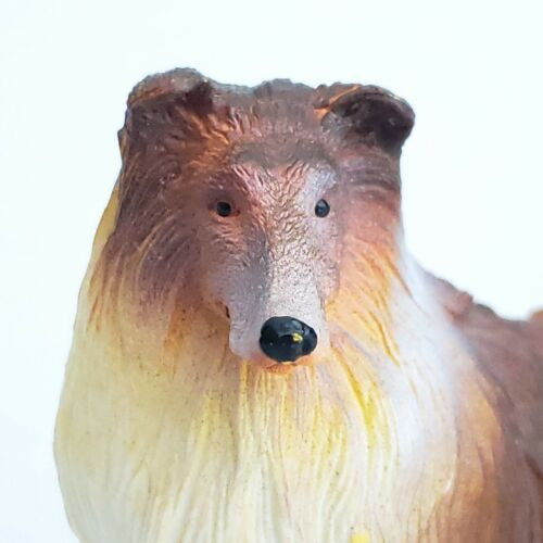 """Rough Collie Dog Figure Hand Painted Plastic Unmarked Lassie Unusual Color 3.5"""""""