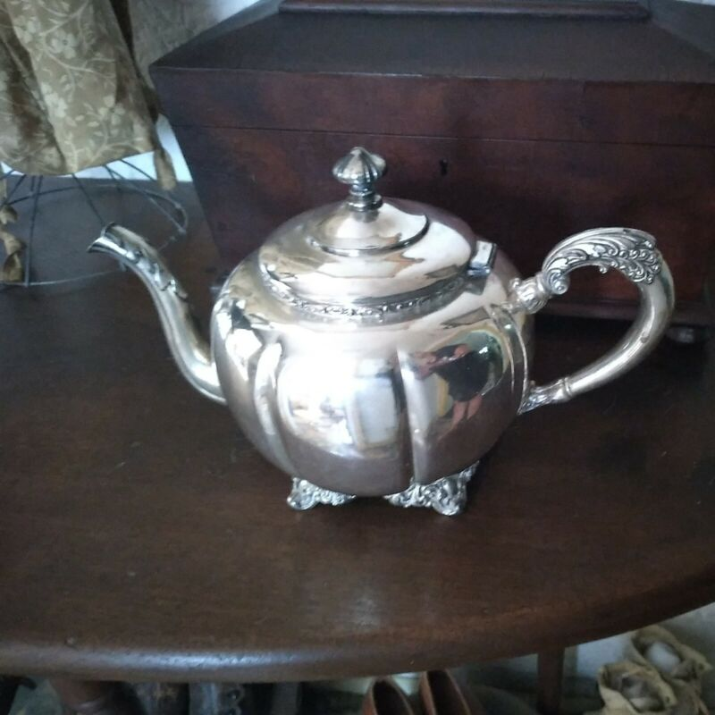 """""""STEAL IT SALE"""" Antigue Silver-plated Forbes #135 Melon Style Teapot"""