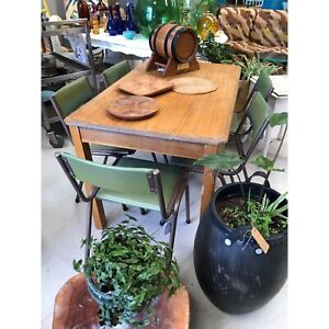 Small vintage dining table or desk Sunshine North Brimbank Area Preview