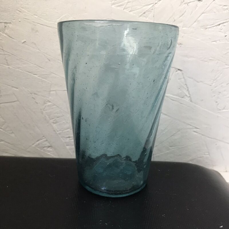 antique early 1800s hand-blown sapphire spiral-rib patterned flip glass tumbler