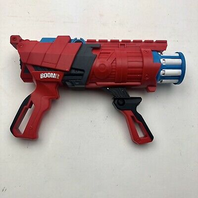 BOOMco Twisted Spinner Blaster 2013 BGY62 Red Blue Mattel ()