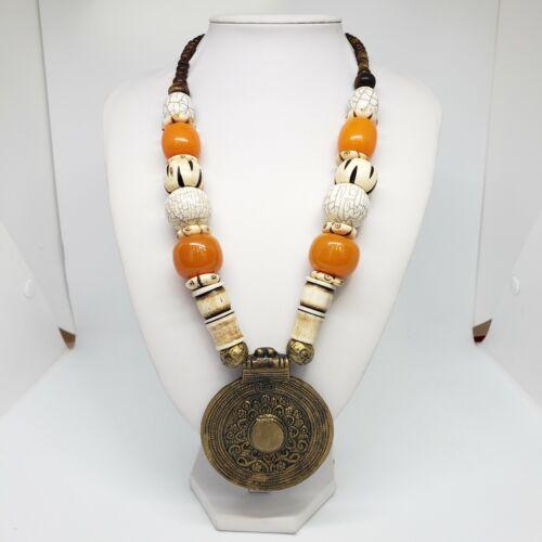 VTG Tibetan Tribe Phenolic Resin Necklace w Pendant Faturan Faux Amber Beads
