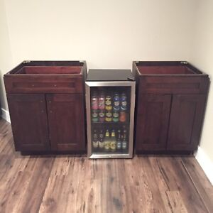 Base Cabinets **Soft Close Drawers & Cabinet Doors**