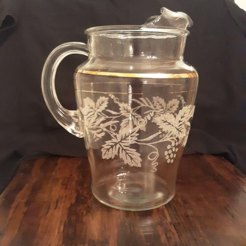 vintage bartlett collins 806 grape leaf thumbprint etched glass pitcher