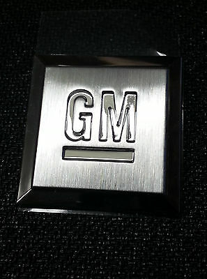 "OEM Front Fender or Doors ""Mark of Excellence"" Stainless GM (1) Emblem 15223483"