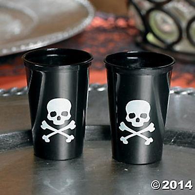 25 Plastic Skull And Crossbones Shot Glasses NEW PIRATE PARTY HALLOWEEN - Halloween Shot Glasses Plastic