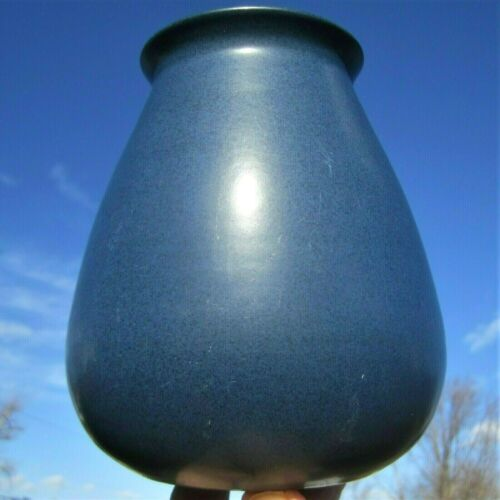 MARBLEHEAD POTTERY UNDECORATED HAND THROWN MATTE BLUE ARTS & CRAFTS ANTIQUE VASE