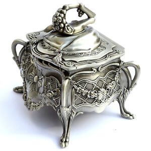 Vintage Tin Alloy Wind up Music Box : Edelweiss Best Gift / Home Decoration