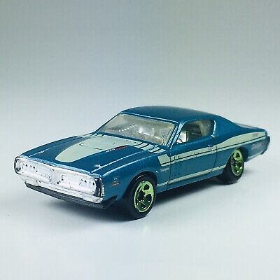 Hot Wheels '71 Dodge Charger Blue and White Muscle Mania '11 D37 Malaysia