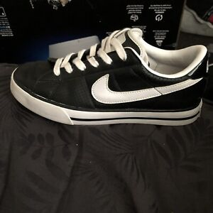 Wanted: Black and white nike