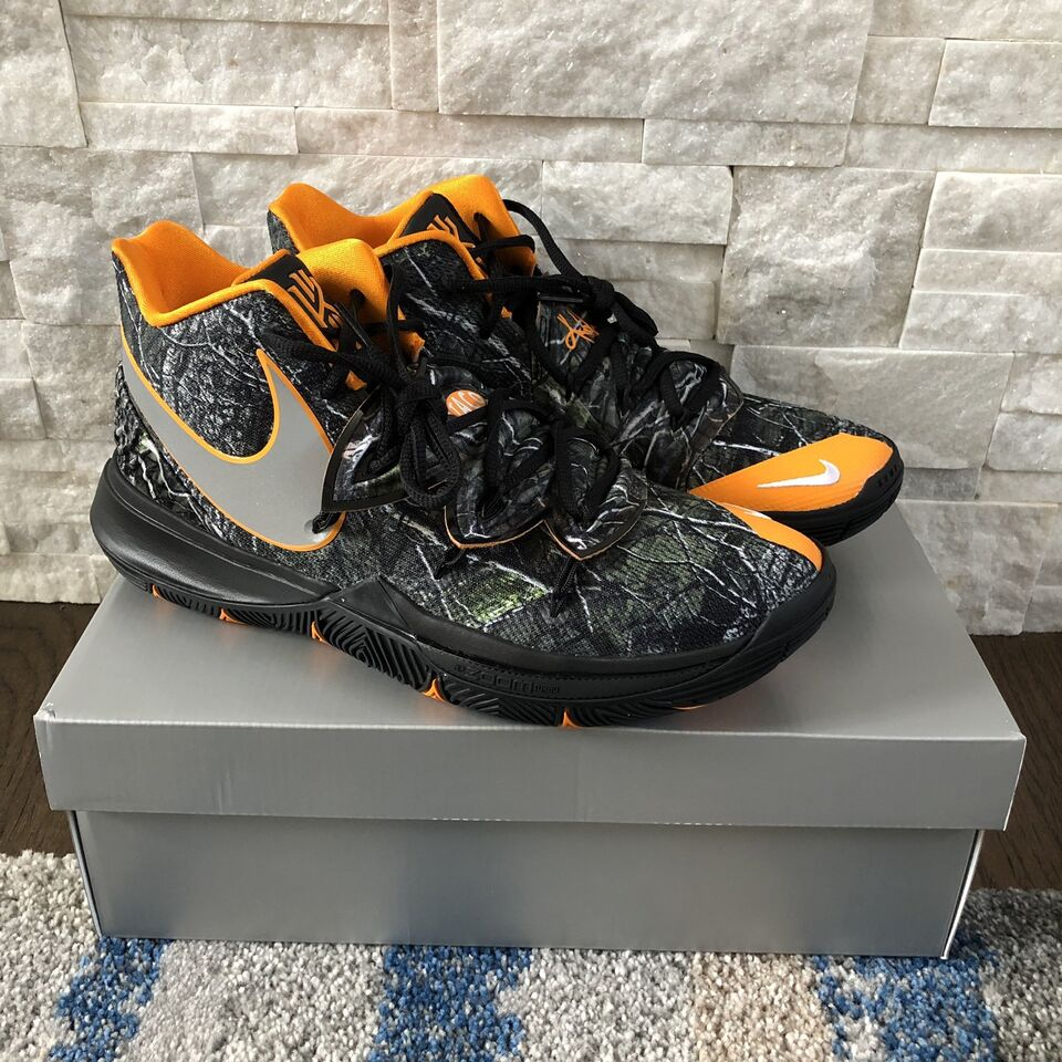 """e0f5f3c4417ccd Description. Selling a brand new pair of Kyrie 5 """"Taco PE"""" ..."""