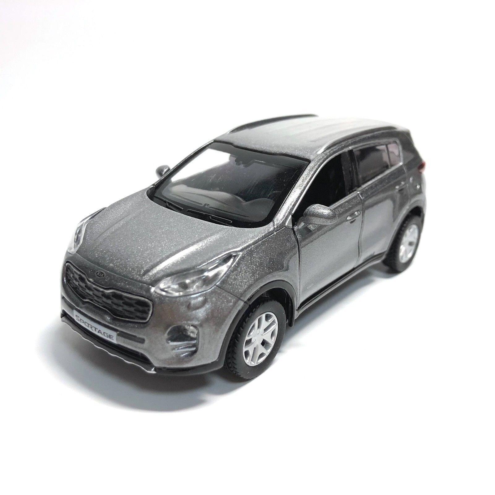 Kia Sportage White Diecast Model Car Scale 1:36