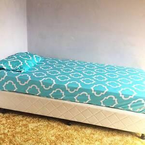 PRIVATE BEDROOM IN EASTLAKES Eastlakes Botany Bay Area Preview