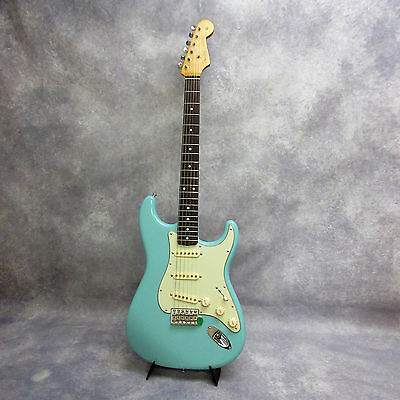 Fender Special LTD Edition 60s Stratocaster - Cerulean Blue