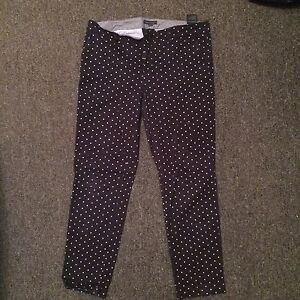 GAP Navy and polka dot pant