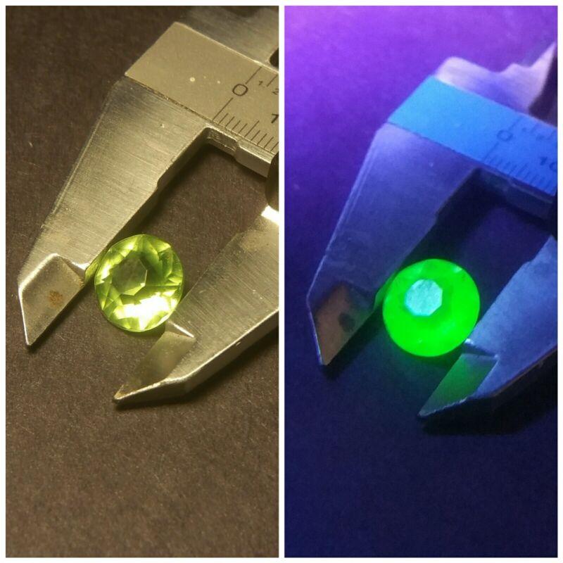 Uranium Glass green Vintage Czech Rhinestone 10mm Vaseline UV Glow