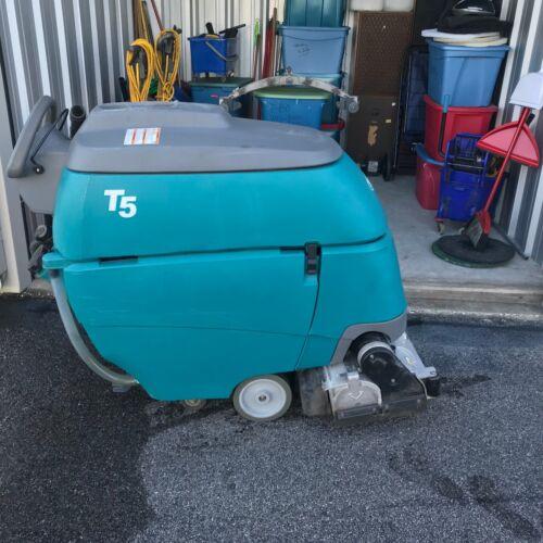 Tennant T5 Floor Scrubber