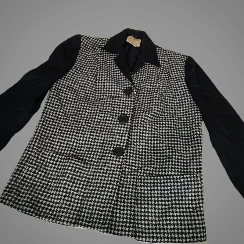 Vintage 1940s houndstooth blazer!