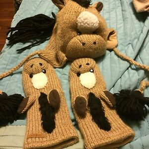 Cute horse hat and gloves set
