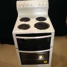 Westinghouse WLE525WA freestanding electric oven/stove Baulkham Hills The Hills District Preview