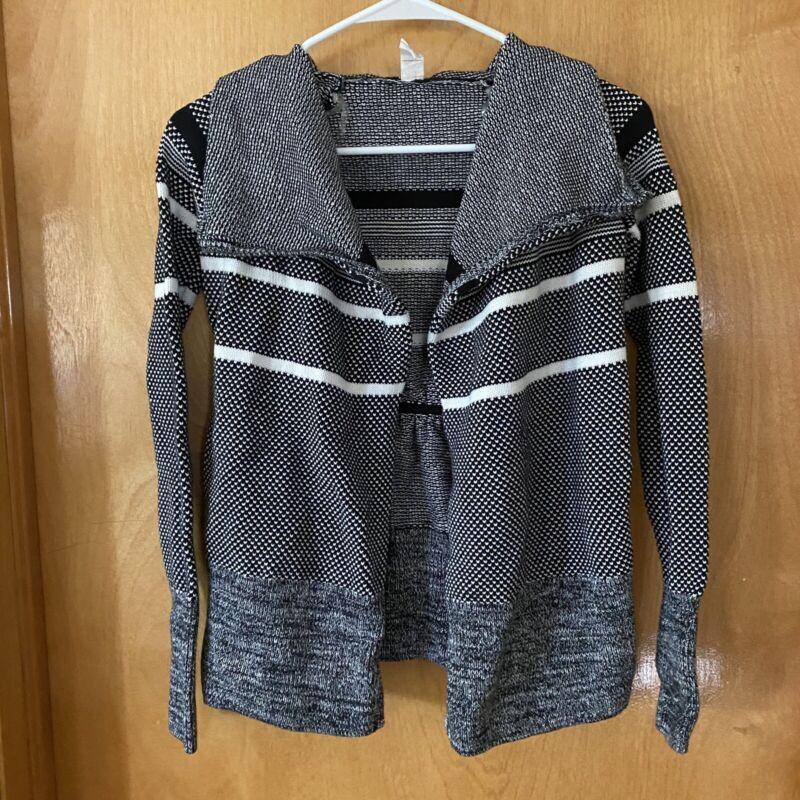 Ivivva By Lululemon Girls Black/White Sweater Size 10