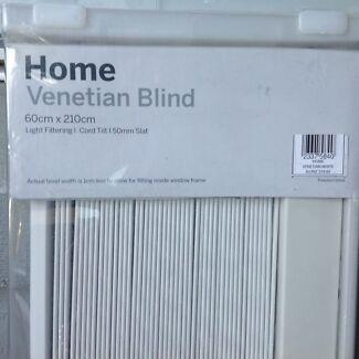 Brand new unopened Freedom venetian blind