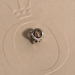 """Pandora retired two tone Diamond Flower """"Perfect Posey"""" Perth Perth City Area Preview"""