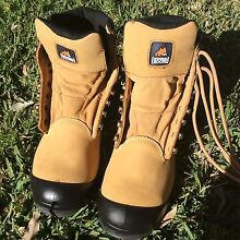 Mongrel Boots SP Series size 11 Morpeth Maitland Area Preview
