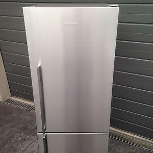 Fridge/Freezer Stylish F&P 442 LT S/Steel Excellent Working Condi Castle Hill The Hills District Preview