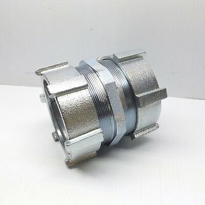 Crouse-hinds 668us 3-12 Emt Compression Coupling Malleable Iron