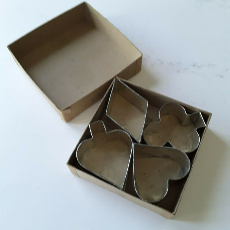 Vintage Set of 4 Card Suit Metal Cookie Cutters in original box
