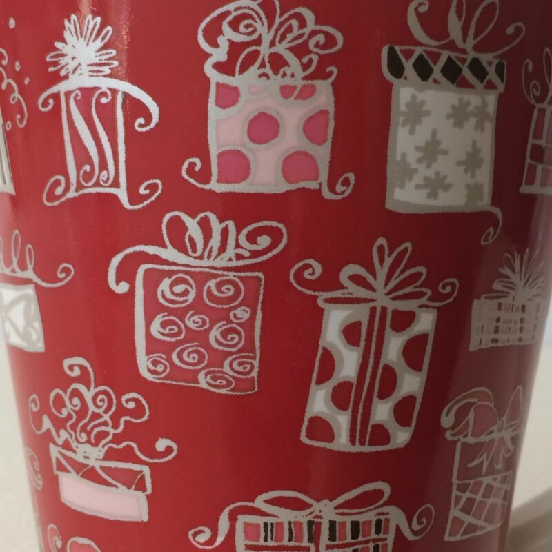 Starbucks Christmas Coffee Tea Mug Cup Tall Red Pink Presents Gifts 14 oz. 2004