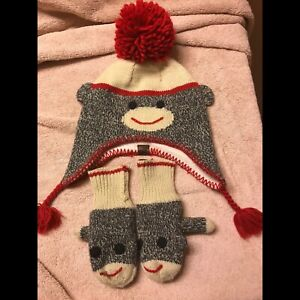 Roots hat at mitts size 18-24months