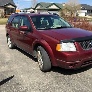 Price Reduced. Original owner 2006 Ford Freestyle Limited AWD