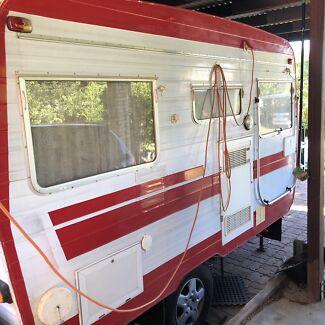 Franklin vintage caravan Riverview Ipswich City Preview